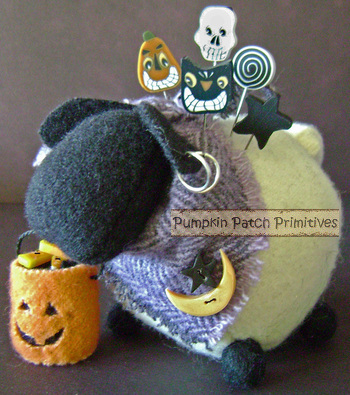 Ewe Look Fabulous Halloween Pincushion Kit